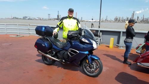 Taking-the-Ferry-across-the-Mississippi9d80c238795bf0b4.jpg